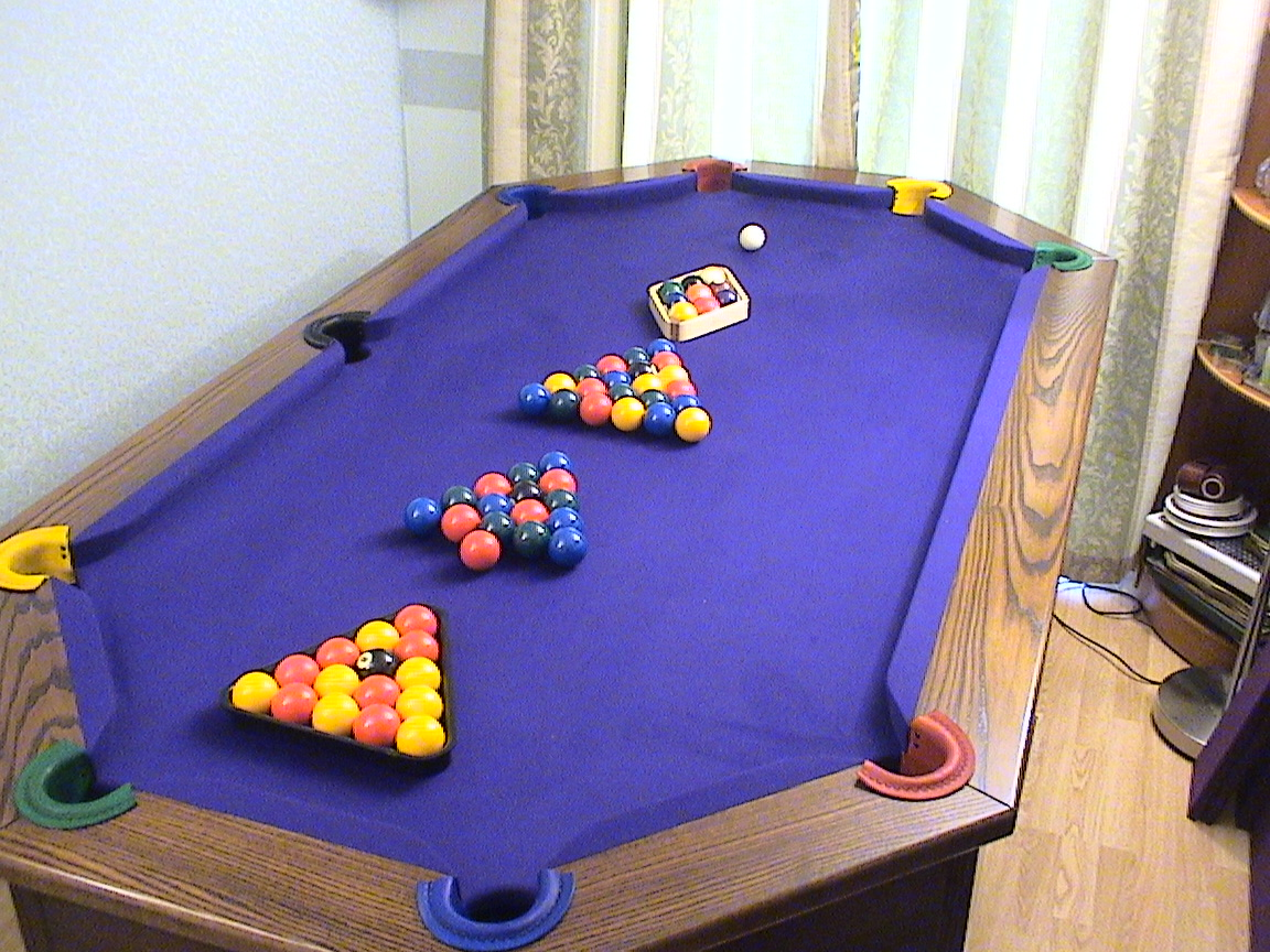 POOL OCTAPOOL POOL TABLE AND BALLS OCTAPOOL POOL TABLE POKER